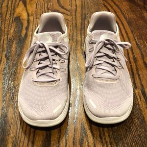 Like New Women's Nike Free RN Shoes